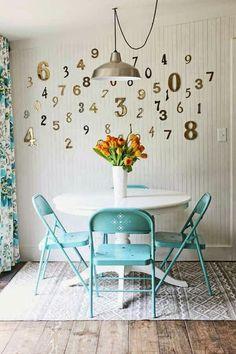 """Dica sustentável e barata para a reutilização das """"cadeiras de bar"""" na decoração da casa."""