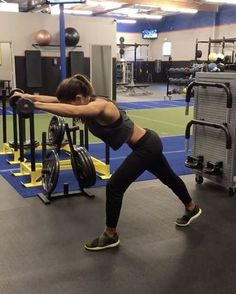 "Alexia Clark: ""Dumbbells 40 seconds of each movement with 20 seconds rest between each movement and round! Full Body Workouts, Gym Workouts, Alexia Clark, Bodybuilding, Biceps And Triceps, Pilates Video, The Bikini, Body Fitness, Plein Air"
