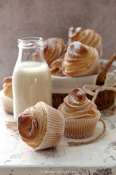 Cruffin - La ricetta senza burro e uova - di Mammachechef Muffins, Italian Desserts, Something Sweet, Creative Food, Mini Cupcakes, Bakery, Food Porn, Food And Drink, Cooking Recipes