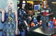 NOIR FAÇADE - L'endroit pour des éditoriaux de mode. - Le goût des robes   Lily, Guenièvre et Kinga par Steven Klein pour Vogue Paris Octobre 2007