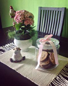 #homedecor #homedesign #jar #jarwithcookies #jarbow #pinkflowers #sheep #springdecor #pinkdecor