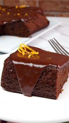 Orange Cake The intense richness of chocolate cake is complemented perfectly by bright citrusy orange notes.The intense richness of chocolate cake is complemented perfectly by bright citrusy orange notes. Sweet Recipes, Cake Recipes, Dessert Recipes, Chocolate Desserts, Chocolate Cake, Chocolate Chips, Vegan Desserts, Chocolate Orange, Savoury Cake