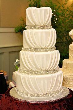 Found on WeddingMeYou.com - Elegant White Wedding Cake Ideas with vintage pearls