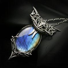 Fully handmade work: necklace technique: wire-wrapping materials: sterling silver, fine silver, labradorite. Facebook page www.facebook.com/Lunarieen Online shop www.lunarieenuk.co.uk/en/ Etsy shop...