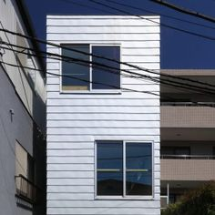 Four-metre-wide+house+built+in+Tokyo+by+Atelier+HAKO+Architects
