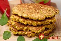 Vynikajúce placky, ktoré poslúžia ako zdravá domáca náhrada pečiva. Môžete ich podávať na slano – s obľúbenými nátierkami, alebo na sladko - s domácim džemom alebo javorovým sirupom.