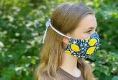 How to Make a DIY Fabric Face Mask   Sewing   Be Brave and Bloom Diy Clothes Projects, Diy Sewing Projects, Arts And Crafts Projects, Craft Tutorials, Sewing Hacks, Sewing Tutorials, Sewing Patterns Free, Fabric Patterns, Diy Face Mask