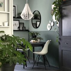 Inside view: The Urban Jungle interior of Bojoura - Homefreak.nl, Inside view: The Urban Jungle interior of Bojoura - Homefreak. Urban Rooms, Jungle Bedroom, Paint Colors For Home, New Room, Home And Living, Living Room Decor, Sweet Home, House Design, Interior Design