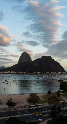 Beautiful Pictures Amazing — Rio de Janeiro,Brazi beautiful amazing - Been there loved it - Ushuaia, Places To Travel, Places To See, Places Around The World, Around The Worlds, Brazil Carnival, Brazil Travel, South America Travel, Most Beautiful Cities