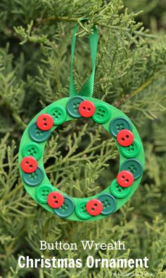 This Christmas wreath button ornament is a great ornament for kids to make for the Christmas tree or as a gift.
