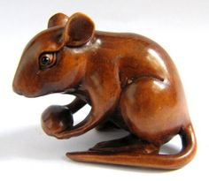 """Y1238 --- 2"""" nice quality Hand carved Boxwood Netsuke - lovely mouse rat"""