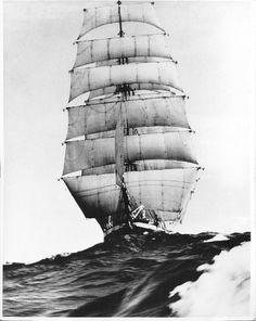 Sailing Ship on Waves, black/white