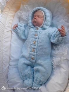 Diy Crafts - Baby Overalls with detailed cabled bodice and matching sweater Knitting pattern by OGE Knitwear Designs Baby Boy Sweater, Baby Cardigan, Baby Sweaters, Baby Boy Knitting Patterns, Knitting For Kids, Baby Patterns, Crochet Bebe, Crochet Baby Hats, Baby Overalls