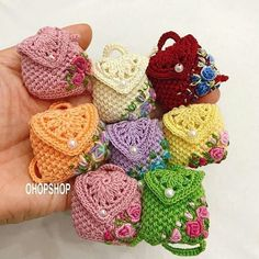 Bag for doll, bag handmade mini, crocheted miniature backpack The prettiest crochet purse free pattern and tutorial – Artofit Easy Crochet Rose Flower Free Pattern in 9 Steps - Salvabrani Crochet Sachet, Crochet Gifts, Crochet Simple, Cute Crochet, Crochet Handbags, Crochet Purses, Crochet Bags, Crochet Doll Clothes, Crochet Dolls