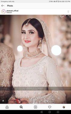 Indian Bridal Outfits, Pakistani Bridal Dresses, Pakistani Outfits, Wedding Night, Wedding Bells, Dream Wedding, Wedding Ring, Shadi Dresses, Bridal Photoshoot