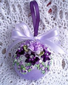 35 Breathtaking Purple Christmas Decorations Ideas – All About Christmas Quilted Ornaments, Beaded Ornaments, Handmade Ornaments, Diy Christmas Ornaments, Christmas Projects, Handmade Christmas, Holiday Crafts, Vintage Ornaments, Ball Ornaments