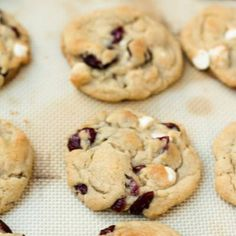 White Chocolate Cranberry Cookies, White Chocolate Chip Cookies, Cherry Jelly Recipes, Oatmeal Cookie Recipes, Oatmeal Craisin Cookies, Cookies Et Biscuits, Sweet Treats, Yummy Treats, Yummy Food