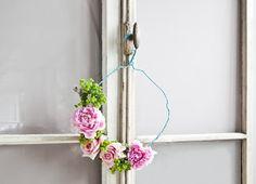 Do it yourself - Estate Fai da Te Plant Hanger, Spring Time, Macrame, Easter, Flowers, Plants, How To Make, Handmade, Beautiful