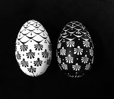 Easter Egg Pattern, Egg Decorating, Black N White, Line Design, Easter Eggs, Polymer Clay, Arts And Crafts, Jar, Projects