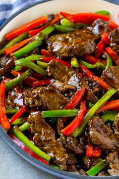 Pfeffersteak Stir Fry – Gesundes Essen – Healthy Dinner About Jamaican Pepper Steak Recipe, Pepper Steak Stir Fry, Chinese Pepper Steak, Pepper Steak Recipe Easy, Beef Stir Fry Sauce, Pepper Steak And Rice, Pepper Steak Sauce, Easy Beef Stir Fry, Salads