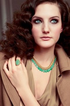 Statement Jewelry. that green! so gorgeous!