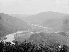 Opefter Beierdalen fra Anstadnakken 1909 fra marcus.uib.no Monet, Mountains, Nature, Travel, Viajes, Traveling, Nature Illustration, Off Grid, Trips