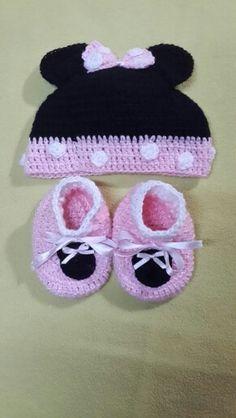 Minnie Crochet Set Hat + babybotties!