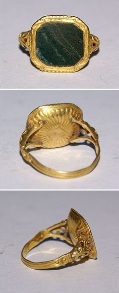 16th/17th Century Ornate Gold Ring With A Bloodstone. Bloodstone is a type of chalcedony.