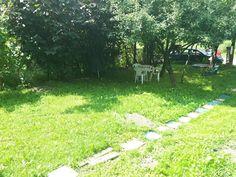 Va propun spre vanzare o casa de vacanta situata in comuna Telega (judetul Prahova, Romania), comuna recunoscuta pentru baile minerale sarate. Imobilul este o cabanuta compusa din 2 camere si bucatarie, are suprafata utila de 25 mp, suprafata construita de 32 mp si dispune de un teren in suprafata de 223 mp. Imobiliare pe Valea Doftanei. House for Sale in Prahova Valley. Romanian Real Estate for Sale.
