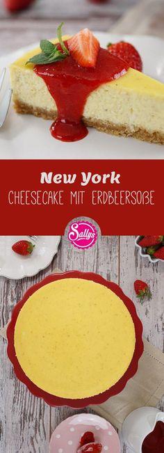 Hier ist er, der unglaublich cremige New York Cheesecake mit einem Boden aus Haferkeksen und dem cremigen Frischkäsebelag mit Vanille und Zitrone. Serviert wird er mit einer Erdbeersoße.