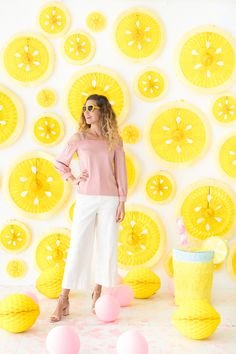 Lemon Party Fan Backdrop (Oh Happy Day!) We just transformed mini party fans into this super cute fr Party Kulissen, Fruit Party, Diy Party Decorations, Party Themes, Party Ideas, Idee Baby Shower, Lemon Party, Photo Booth Backdrop, Backdrops For Parties