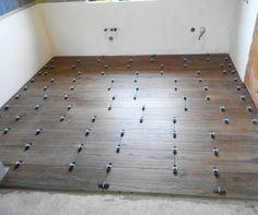 remzubrОчередной пол в кухне уложен с помощью системы укладки плитки DLS. Рекомендую #dlspro Это российский керамогранит #ITALON размером 22,5*90 см.