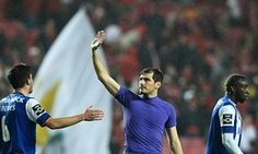 Inspired Iker Casillas helps Porto claim famous victory over Benfica