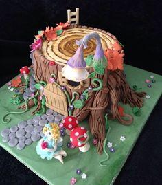 Fairy house cake - Cake by Craftycakes Fairy House Cake, Fairy Garden Cake, Garden Party Cakes, Fairy Cakes, Cupcakes Fondant, Cupcake Cakes, Woodland Fairy Cake, Fairy Birthday Cake, Fantasy Cake