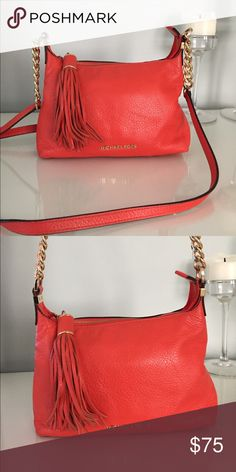 ed31884824657 Used Michael Kors crossbody Color  Orange Condition  Gently loved MICHAEL  Michael Kors Bags Crossbody Bags