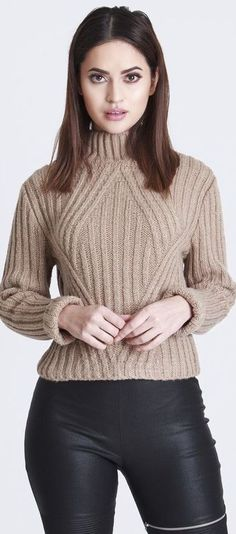 🍂Outfits styled with Fall shades of oatmeal, camel & taupe prove that Beige is anything but boring! #fashionfiend #fall #winter🍂✨ Jane Spring |
