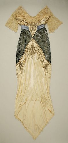 Evening dress Date: ca. 1914 Culture: American Medium: silk Dimensions: Length at CB: 92 in. (233.7 cm) Credit Line: Gift of Mrs. Edwin Stewart Wheeler, 1956 Accession Number: C.I.X.56.2.3