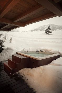 Chalet Marmotte - A special luxury ski chalet located in a tranquil spot on the piste with ski-in access and an outdoor hot tub enjoying breathtaking views Chalet Zermatt, Ski Chalet, Jacuzzi, Miramonti Boutique Hotel, Winter Cabin, Snow Cabin, Cabins In The Woods, Log Homes, Cabin Homes