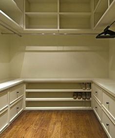 Built-in drawers in closet.  Nice!