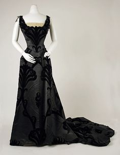 Evening dress, House of Worth, Date: 1898-1900, Culture: French, Medium: silk, cotton