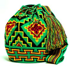 Handmade Hermosa Wayuu bags are rare art. Only small amounts are made because of the complexity and method to produce a single Hermosa Wayuu Bag. Only One Kind, Limited Edition, Extra Large Tightly wo Mochila Crochet, Crochet Tote, Bead Crochet, Crotchet Bags, Knitted Bags, Tapestry Bag, Tapestry Crochet, Modern Crochet, Boho Bags