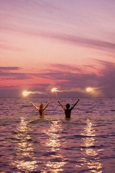 The sky and ocean couldn't get any more beautiful than this! Pink, serene, sky and ocean. Summer Nights, Summer Vibes, Summer Feeling, Summer Of Love, Summer Beach, Pink Summer, Summer Sunset, Sunset Party, Purple Sunset