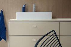 Duravit Vero Air washbasin with Brioso bathroom furniture Mini Bad, Next Bathroom, Drawer Design, Duravit, Bathroom Collections, Mirror Cabinets, Cabinet Drawers, Beautiful Bathrooms, Bathroom Furniture
