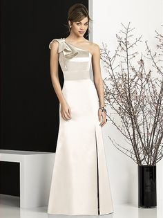 Full length one shoulder matte satin gown with modified bow detail at shoulder and matching inset waistband at natural waist. Maid Of Honour Dresses, Mob Dresses, Fashion Dresses, Bridesmaid Dresses, Formal Dresses, Wedding Dresses, Evening Dress Patterns, Evening Dresses, Mermaid Prom Dresses Lace