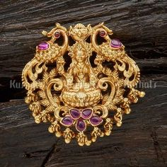 Pearl Necklace Designs, Jewelry Design Earrings, Gold Earrings Designs, Pendant Jewelry, Gold Bangles Design, Gold Jewellery Design, Antique Jewellery, Vanki Designs Jewellery, Temple Jewellery
