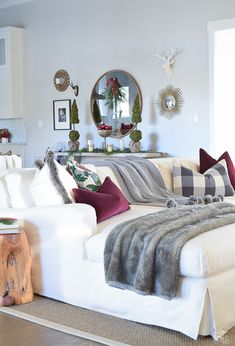 christmas-home-tour-white-slipcovered-couch-christmas-decor-transitoinal-livign-room-2
