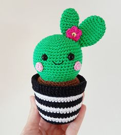* Please note that this is a digital item (PDF file) and NOT the finished cactuses * ..........................................................................................................................  This is a pattern for 3 cactus friends with a crochet pot. These cactuses looks super cute as decoration! And the best thing is that they doesnt need any water and the pot will never brake…