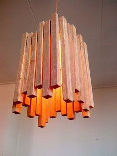 DIY lamp made of wooden strips- DIY Lampe aus Holzleisten DIY lamp made of wooden strips - Into The Woods, Wooden Lamp, Wooden Decor, Diy Luz, Diy Luminaire, Wood Design, Wood Pallets, Pallet Wood, Wood Projects