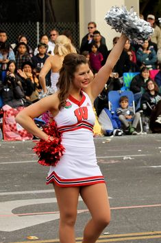 Cheerleading Photos, College Cheerleading, Ncaa College, College Bowls, Professional Cheerleaders, University Of Wisconsin, Sporty Girls, Cute Girl Outfits, American Women