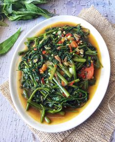 Resep cah sayur enak Instagram/@susie.agung Vegetable Dishes, Vegetable Recipes, Great Recipes, Favorite Recipes, Asian Recipes, Ethnic Recipes, Indonesian Food, Indonesian Recipes, Seaweed Salad